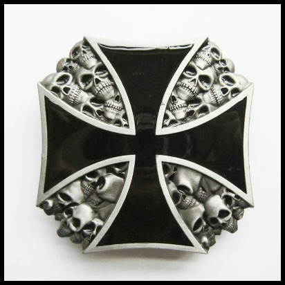 Hebilla cruz negra calaveras
