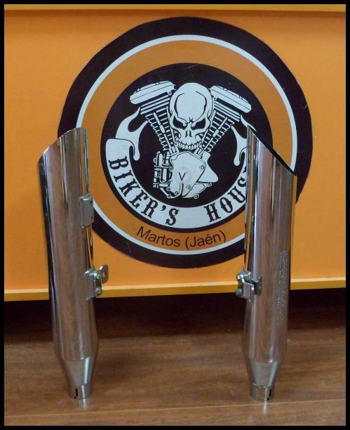 Colas escape Harley Davidson Softail (1)