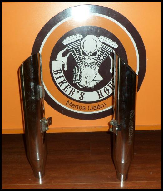 Colas escape Harley Davidson Softail (2)