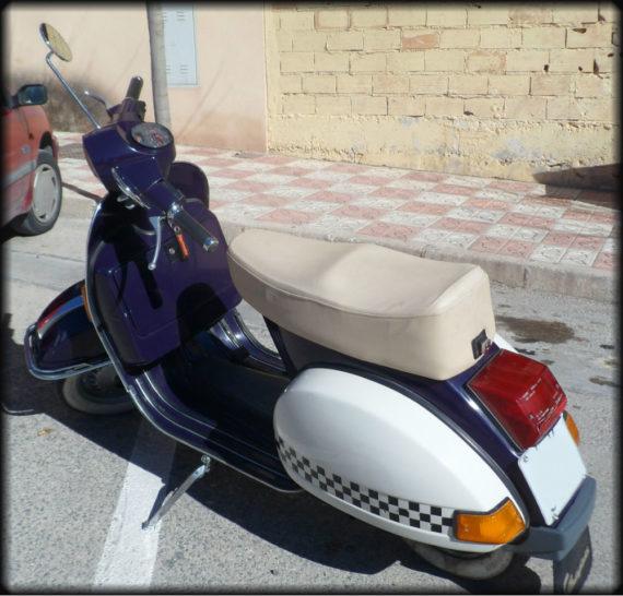 Vespa Iris 200 (9)