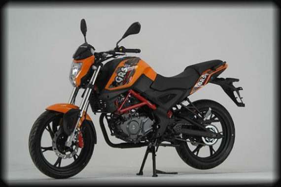 GRS 125 naranja