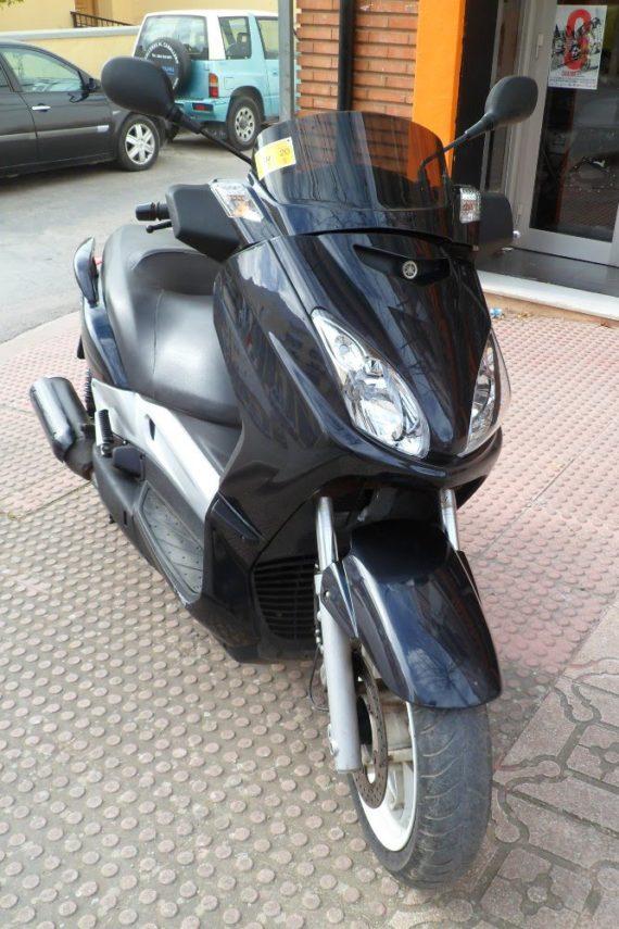 Yamaha Xmax250 (3)