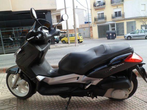 Yamaha Xmax250 (5)