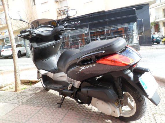 Yamaha Xmax250 (8)