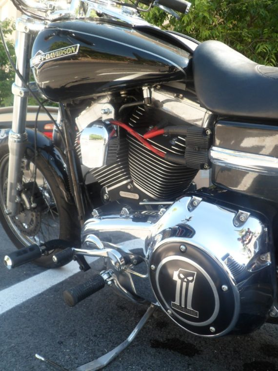HD DYNA SUPER GLIDE 2011 (6)