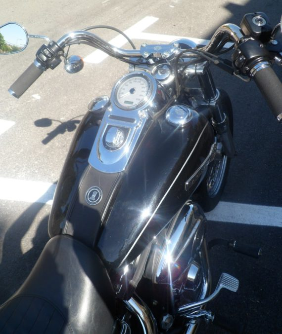 HD DYNA SUPER GLIDE 2011 (8)
